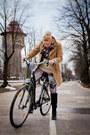 Vintage-coat-zara-boots-grandmas-closet-sweater-h-m-leggings