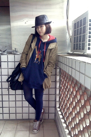blue top - beige jacket - blue tights - brown shoes - black hat