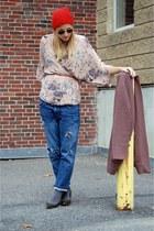neutral oversized JCrew sweater - blue boyfriend jeans Current Elliot jeans