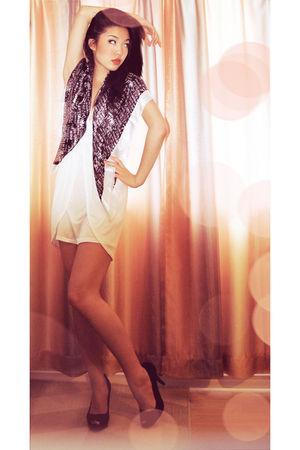 black scarf - black Paprika shoes - white Costa Blanca dress
