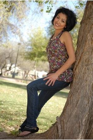 Aviva Premium blouse - Kaba jeans pants - Paprika sandals
