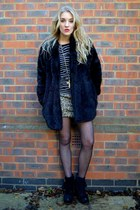 gold AX Paris dress - black Primark boots - black faux fur coat Motel Rocks coat