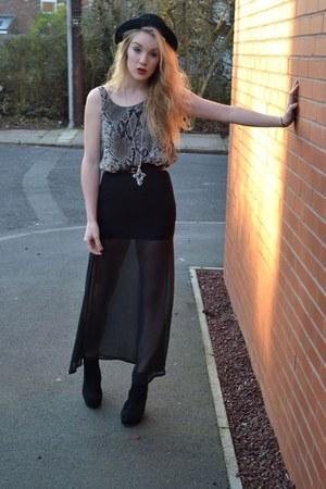 black Republic skirt - heather gray Love top