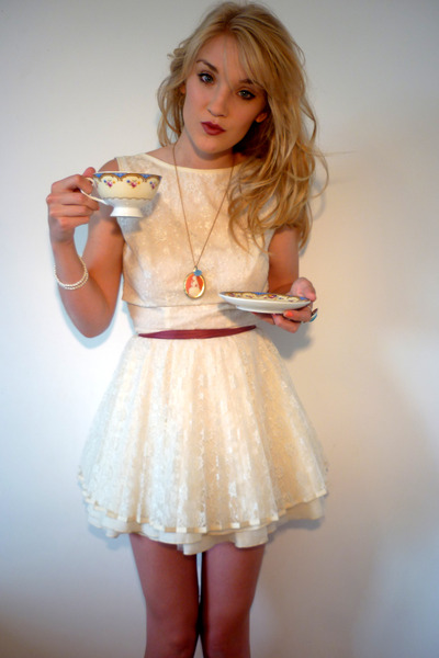 cream Jones and Jones dress