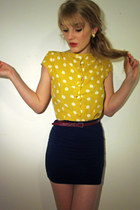 mustard polka dot Primark blouse - cream fish net Primark tights