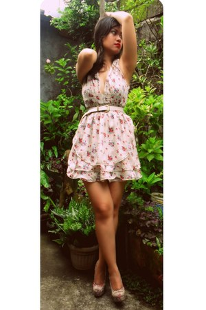 off white floral ruffled Shop LDMU dress - pink floral Forever 21 pumps