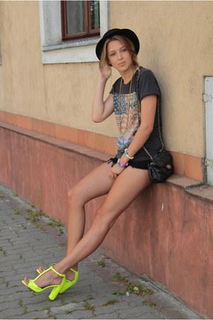 chartreuse Zara heels