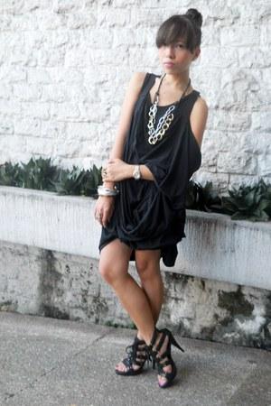 black thrifted dress - black NafNaf heels