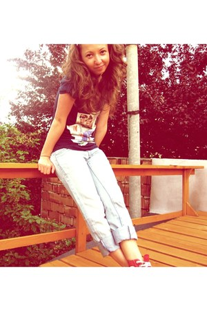 Converse shoes - pull&bear jeans - Bershka t-shirt