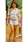 Tawny-leather-shoes-denim-shorts-white-vintage-blouse