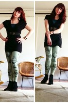 aquamarine leggings - black top