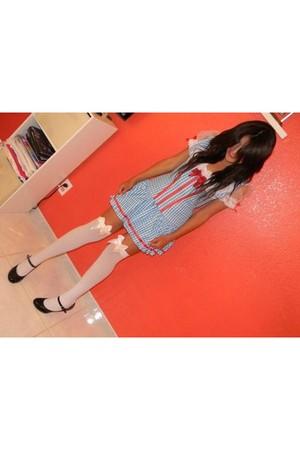 blue dress - white tights - black shoes
