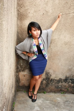 heather gray outer decadadia top - blue bandage unknown brand skirt