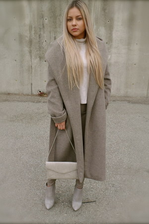heather gray oversized Zara coat - heather gray booties Aldo boots