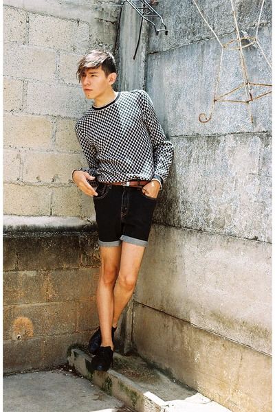 d1f28d9ebf black Levis shorts - black Zara shoes - gray Sisley sweater - orange DIY  belt