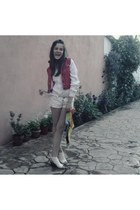 white jeans Lee Cooper shorts - yellow marylin monroe scarf - white moms blouse