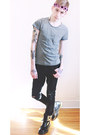 Black-dr-martens-boots-black-h-m-jeans-silver-h-m-t-shirt