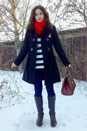 black military coat - sweater - navy leggings - ruby red scarf