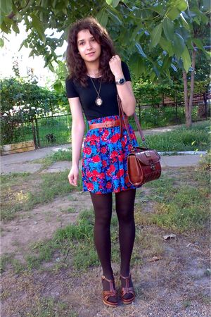 brown tights - brown vintage Marc Chantal bag - shorts - black Only t-shirt