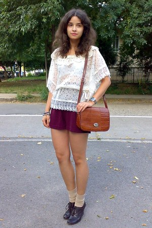 burnt orange vintage Marc Chantal purse - crimson thrifted shorts - tan socks