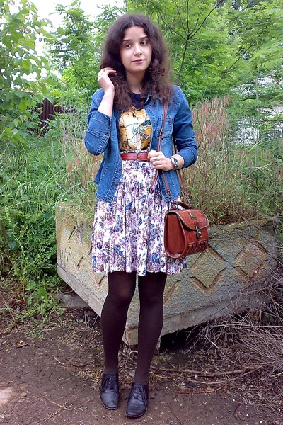 blue thrifted denim StOliver shirt - brick red vintage Marc Chantal purse - navy