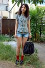 Blouse-blue-shorts-red-socks-black-fabio-lenzi-shoes-black-purse-silve