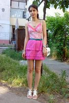 green belt - white trifted bag - pink trifted ruffled skirt - white top