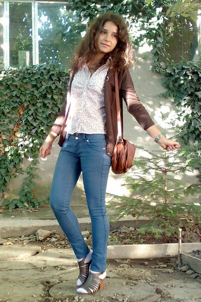 blue jeans - brown httpwwwscarpasacom shoes - pink trifted floral Esprit shirt