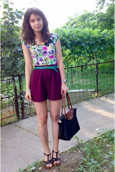 longchamp bag - shorts - colorful top top - green trifted belt