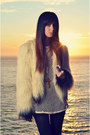 Cynthia-vincent-coat-urban-outfitters-top