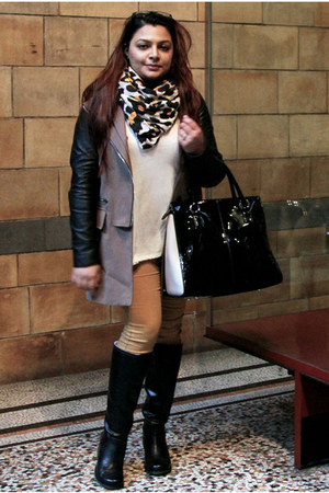 mustard skinny jeans H&M pants - black knee-high boots SOliver boots