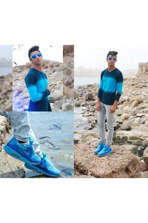 aprill77 jeans - CELIO sweater - nike sneakers