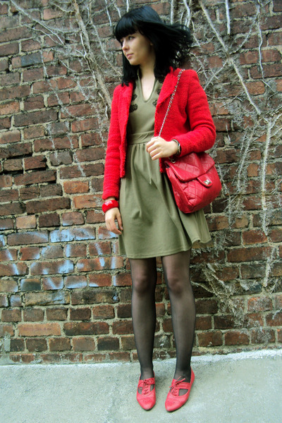 Green London Dresses, Red Office Shoes, Red Topshop Jackets ...