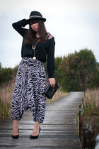 Stellino pants - black Top Shop bag - black Dont Ask Amanda shirt