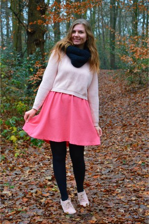 light pink sweater - salmon dress - black scarf - light pink pumps