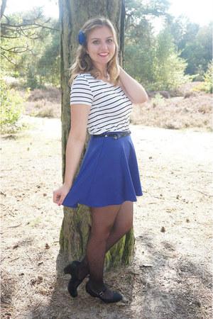 black tights - blue skirt - black belt - white striped t-shirt - black pumps