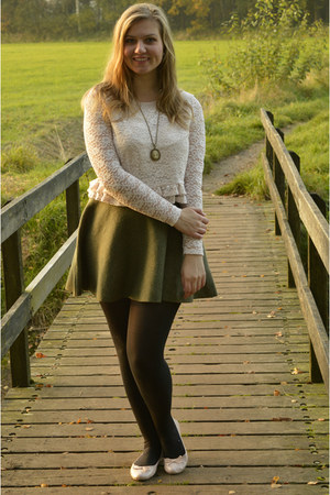 light pink lace top - black tights - light pink flats - cream necklace