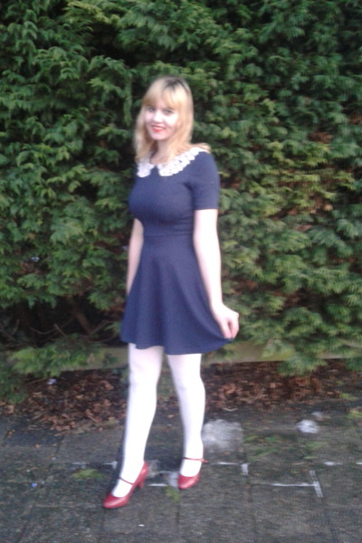 red pumps - navy dress - white tights