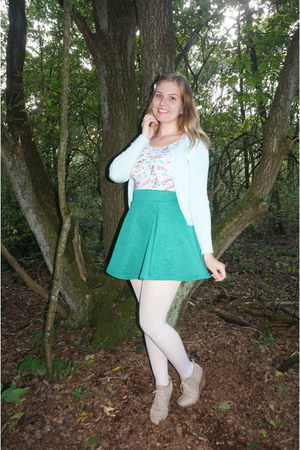 light blue flower top - white tights - green skirt - light blue cardigan