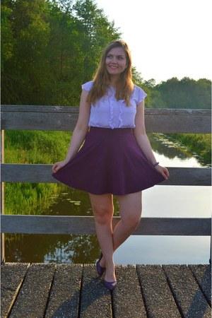 purple pumps - periwinkle top - magenta skirt - purple bracelet