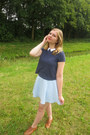 Bronze-shoes-light-blue-skirt-navy-t-shirt