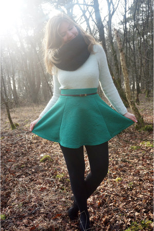 black scarf - light blue sweater - green skirt - black belt - black pumps