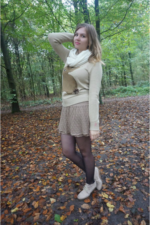 tan sweater - white scarf - light brown skirt - beige wedges