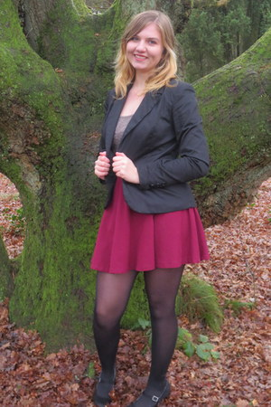 black blazer - black tights - brick red skirt - olive green top - black pumps