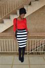 Red-new-yorker-t-shirt-black-new-yorker-skirt