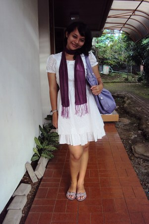 white unknown brand dress - purple unknown brand scarf - purple unknown brand sa
