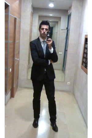 Zara suit - Zara shirt - purifcacin garca tie