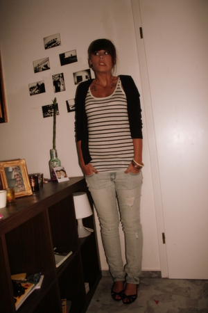 shoes - second hand bracelet - H&M top - Tally Weijl jeans