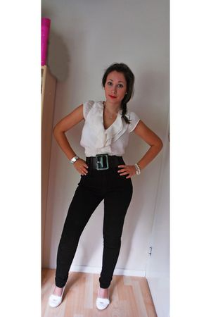 white H&M blouse - black belt - black GINA TRICOT jeans - white shoes - white br
