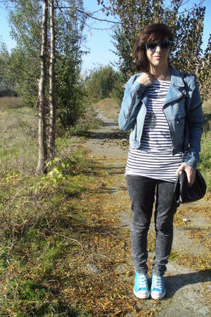 Zara jeans - Converse shoes